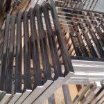 nichelatura-nichel-satinato-previo-decapaggio-e-pulitura-su-basi-sedie-in-acciaio