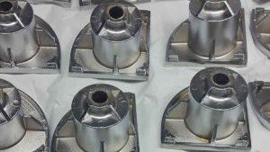 Cromatura, sottocategoria cromatura alluminio, cromatura su pressofusi grezzi