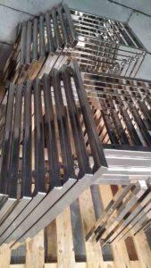 Nichelatura, nichel satinato previo decapaggio e pulitura su basi sedie in acciaio