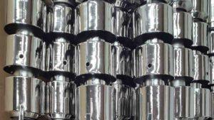 Nichelatura, nichelatura lucida, previo decapaggio, di dipoli in ottone di lunghezza mm 2800
